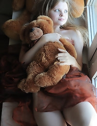 Definitely one of the most sensual fresh chicks offers exclusive collection about her horny bed play with a beloved toy.
